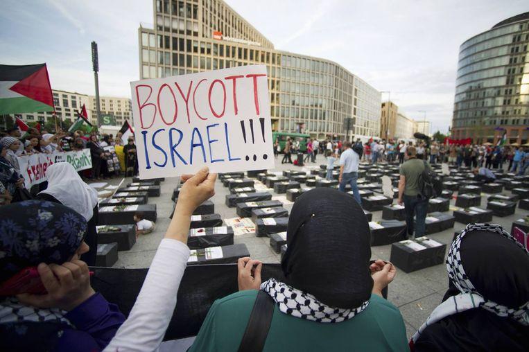 Een anti-Israël demonstratie in Berlijn, afgelopen zomer ten tijde van de Gaza-oorlog. Beeld reuters