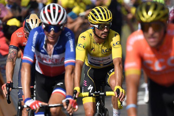 Julian Alaphilippe zal ook morgen weer in de gele trui rijden.
