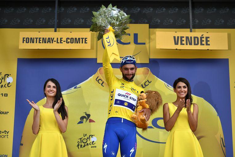 Fernando Gaviria in de eerste gele trui van deze Tour Beeld AFP