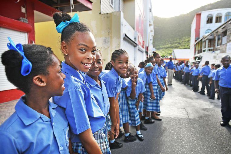 Scholieren op Sint Maarten. Beeld Guus Dubbelman / de Volkskrant