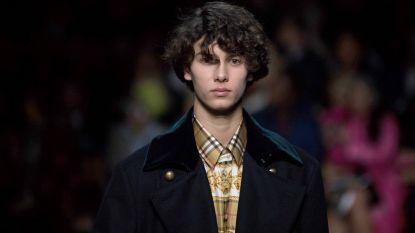 Deense prins Nikolai (18) klust bij als catwalkmodel