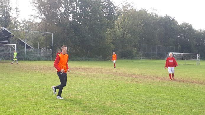 Geen wedstrijd voor het eerste elftal van Excelsior'31, hun wedstrijd werd afgelast. Een aantal spelers en de trainer sloten zich na terugkomst aan bij de training van het G-team.