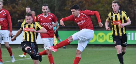 JVC verspeelt met tien man voorsprong tegen Jong Vitesse