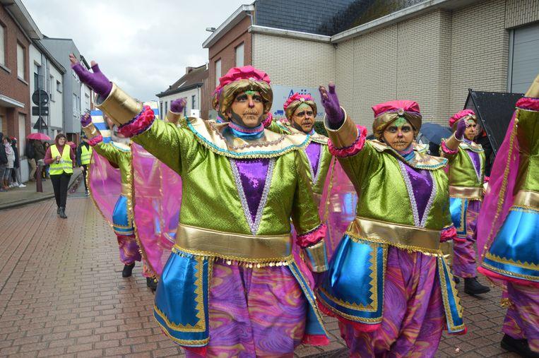 De Denderleeuwse carnavalsgroep De Starters.