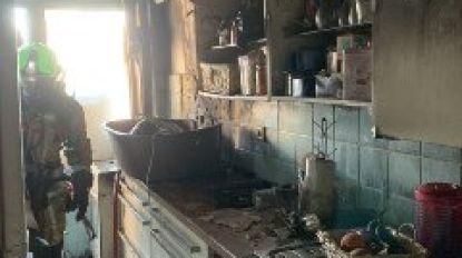 Brand vernielt keuken in flatgebouw