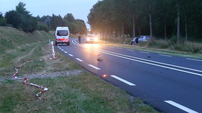 Een verbrokkelde kei op de Structuurweg in Schijndel.