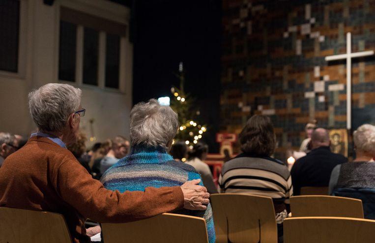 Een dienst in de Haagse Bethelkapel in 2018, tijdens het kerkasiel van de familie Tamrazyan.  Beeld Inge van Mill