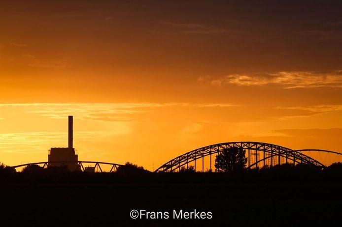 Zonsondergang vanuit de Ooijpolder.