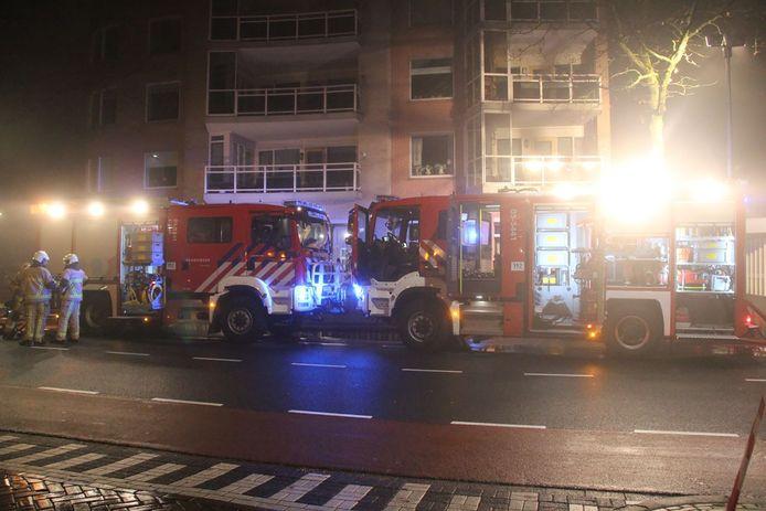 Brand in parkeergarage onder flat in Nijverdal