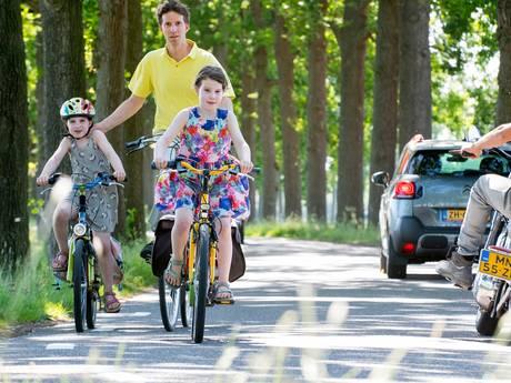 'Zonder rode strook blijft het onveilig voor fietsers in Overbetuwe'