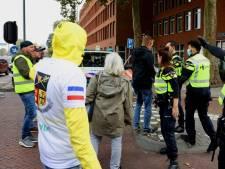 Nieuwsoverzicht | Woede om nazi-leuzen bij coronademonstratie - Weer bruiloft stopgezet om coronaregels