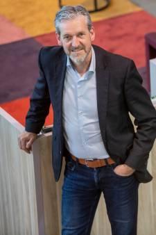 Burgemeester Hans van der Pas wil nog wel 6 jaar door in Rhenen: 'Ik merk dat mensen me kennen'