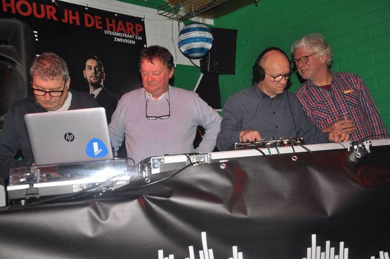 Studio Brainwash weer samen: met (vlnr) Donaat, Philippe Van Schepdael, Luc Vercruysse en Geert Vandenhende.