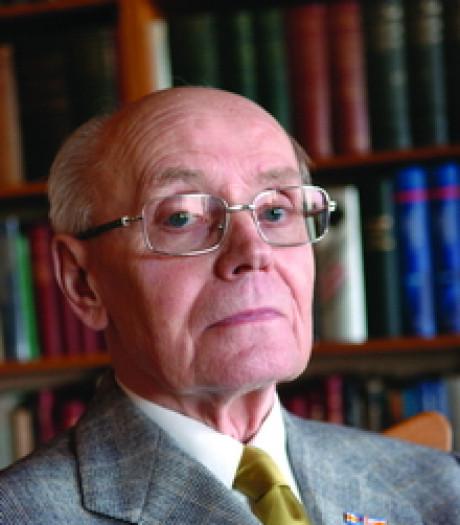 Tilburgse 'taalmonnik' Wil Sterenborg overleden