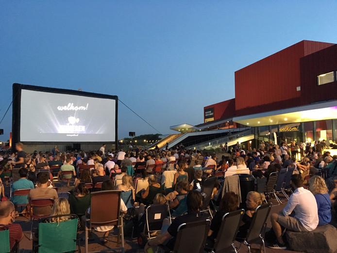 De buitenbios vorig jaar bij de bioscoop in Ressen.