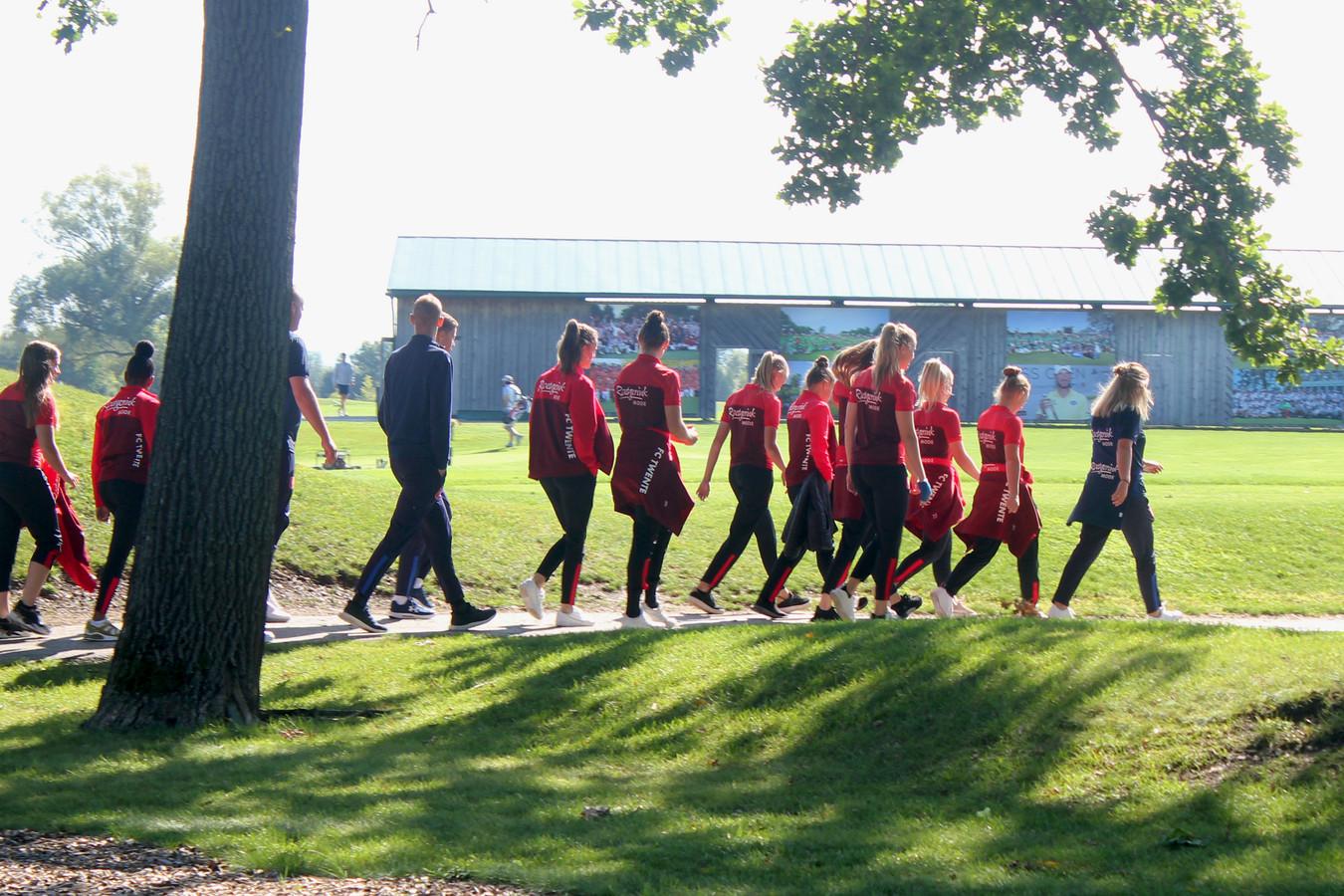 FC Twente Vrouwen aan de wandel in Oostenrijk.