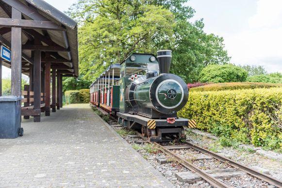 Het treintje verdwijnt, in de plaats komt er een veerboot op De Ster.