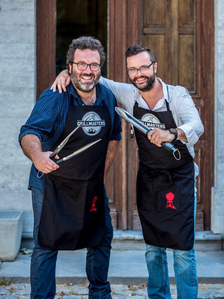 Wannes (links) en zijn grillpartner Gilles (rechts).
