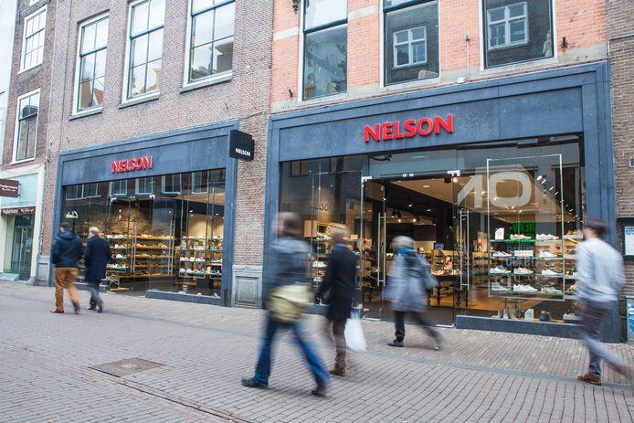 Nelson Schoenen vestigt zich in Apeldoorn.