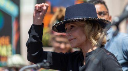 Jane Fonda gearresteerd in Washington bij klimaatrally