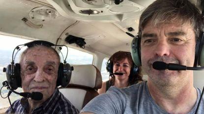 96-jarige Dilbekenaar maakt vierde succesvolle landing na sprong uit vliegtuig