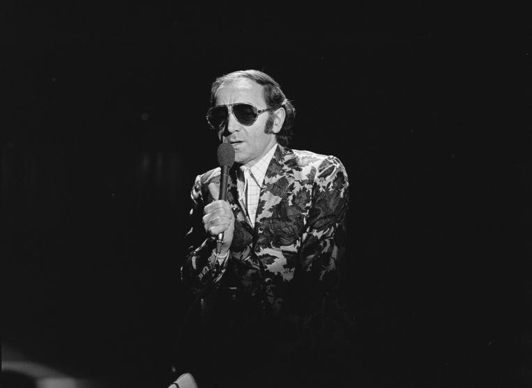 Charles Aznavour tijdens een televisieoptreden bij de TROS in 1972. Hij was een onverslijtbare artiest, die jarenlang  steeds nieuwe volgelingen aan zich wist te binden.   Beeld Hollandse Hoogte / Nederlands Instituut voor Beeld en Geluid