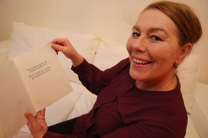 Jeannette Wullink uit Deventer heeft een boek gemaakt: Lief Levensdagboek. Vooral bedoeld voor alleenstaanden die hun wensen voor bij hun overlijden kunnen vastleggen, zodat nabestaanden niet met onbeantwoorde vragen zitten en weten wat ze moeten regelen.