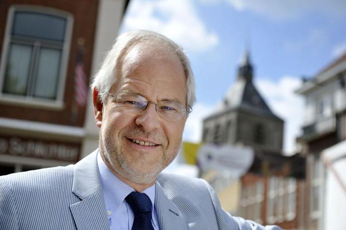 Schouten stuurde samen met nog 12 burgemeester van de Partij van de Arbeid een brief naar het gemeentehuis van Rotterdam.