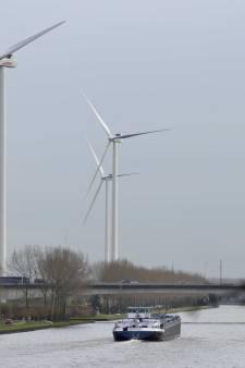 Omstreden proef met windmolens in Houten van start