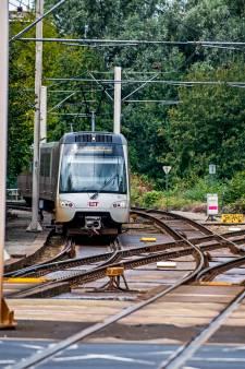 Reizen met metro en bus wordt volgend jaar iets duurder
