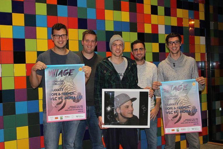 Archiefbeeld: Organisatoren Brett Oppeel, Matthias Neirynck, Gwenn Van Renterghem (met foto Gwijde Provijn), Niels Verstraete en Gertjan Verstraete in 2017.