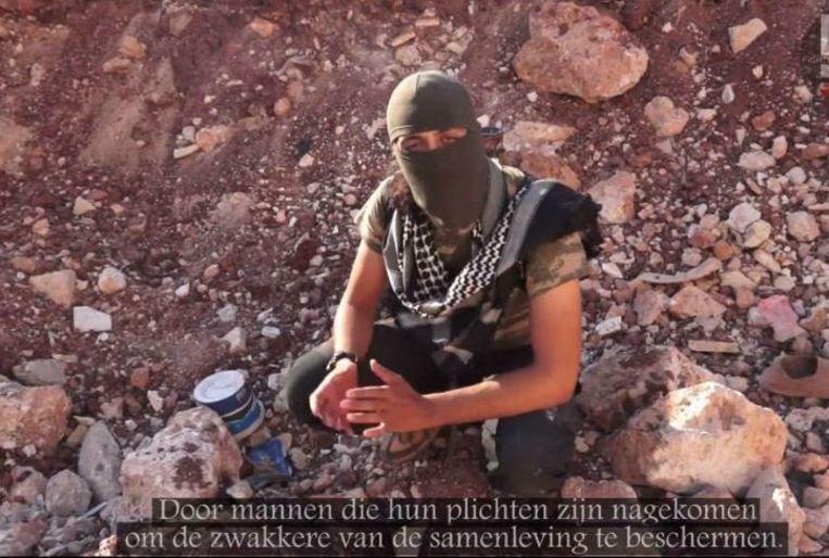 null Beeld Still uit het onlangs opgedoken Youtubefilmpje van Nederlandse Syriëgangers.