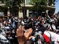 Malgré l'interdiction, des milliers de sans-papiers manifestent à Paris