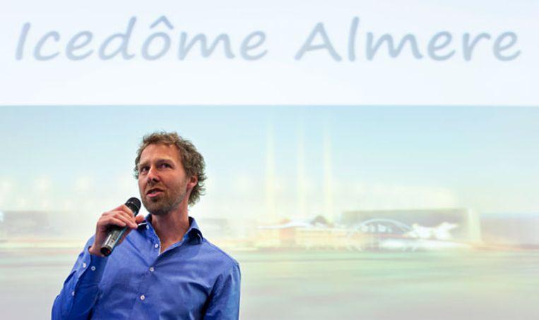 Initiatiefnemer Jakko Jan Leeuwangh tijdens de presentatie van de nieuwe Icedôme. Beeld anp