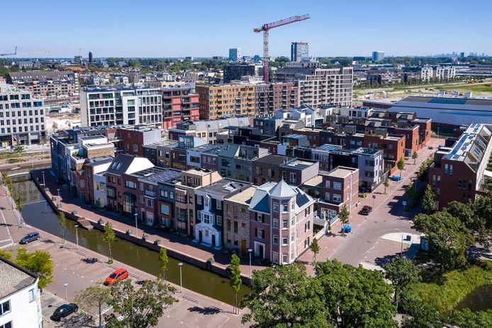Luchtbeeld  Een bijzondere Delftse woonwijk Coendersbuurt vanuit de lucht.