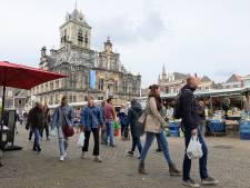 Markt keert langzaamaan terug: Stofjes en hoesjes mogen (op afstand) weer verkocht worden