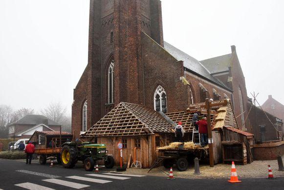 De kerststal in Zondereigen brandde op 1 januari dit jaar af maar is wel opnieuw van de partij.