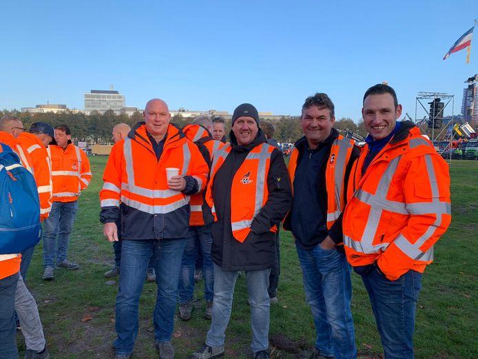 Arjen Coremans (rechts) uit Breda is ook aanwezig op het Malieveld.
