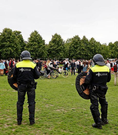 Rotterdammer (33) van zijn bed gelicht vanwege rellen op Malieveld tegen coronamaatregelen