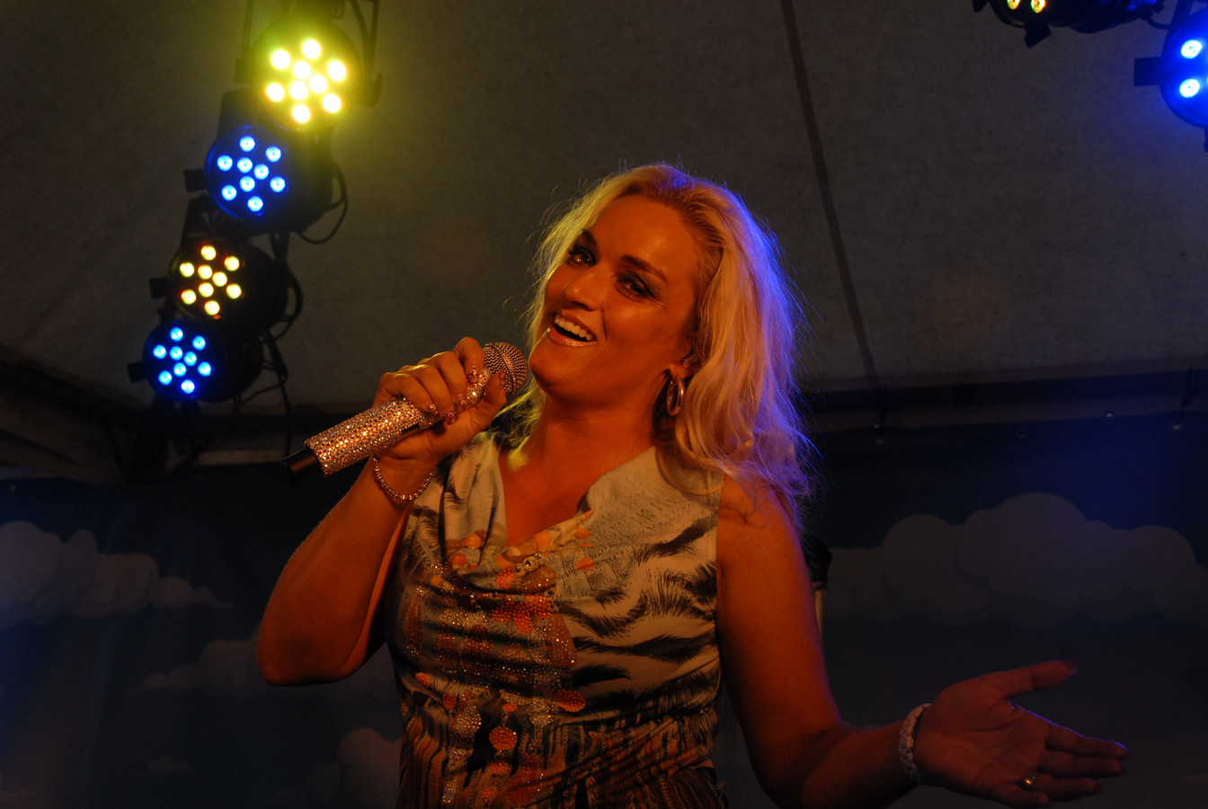 Samantha Steenwijk