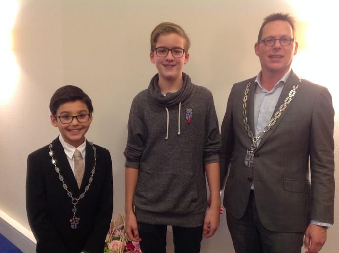 Joep (midden) samen met kinderburgemeester Noé en wethouder Van den Dungen.