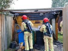 Brandende frietpan zet schuurtje in lichterlaaie in Veldhoven