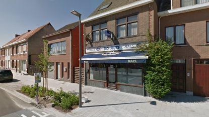 """83-jarige vrouw vlucht bij gewapende overval op café Do Nuts: """"Nooit zulke brutale overvallers gezien"""""""