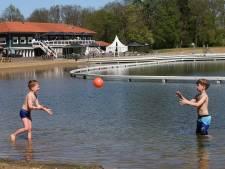 Strandbad Winterswijk blij met koelere weer: blauwalg blijft weg