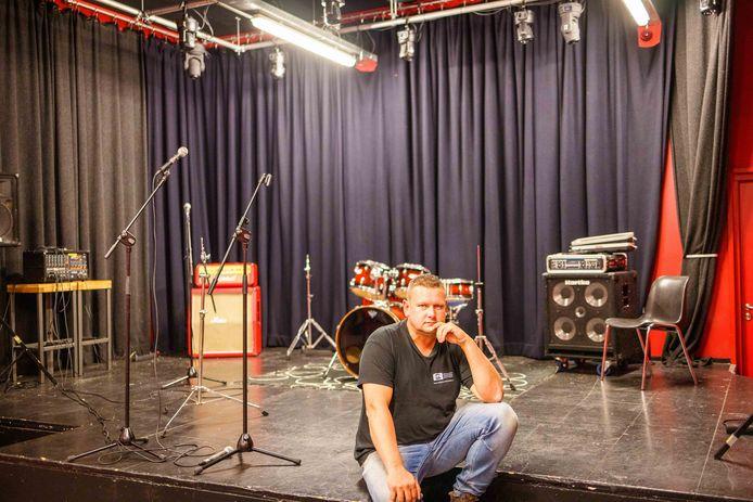 Pieter Dingerdis van poppodium de Buze had een ander jaar verwacht toen hij het poppodium begin dit jaar met een groep vrijwilligers overnam.