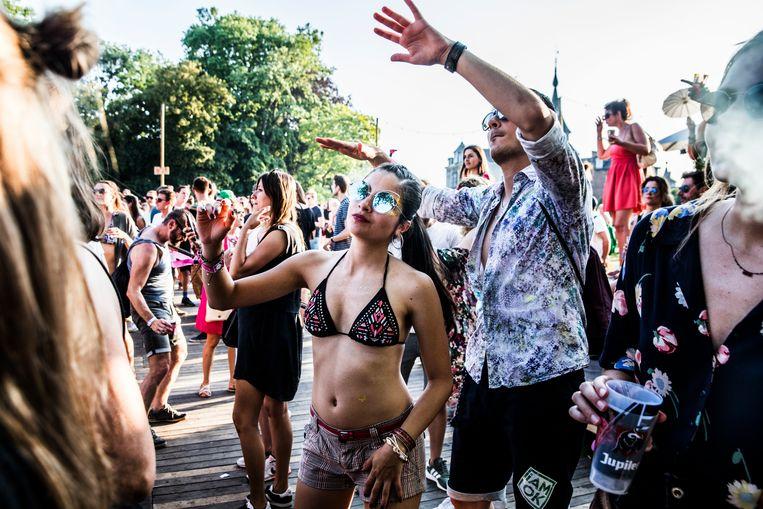 Paradise City verwacht dit jaar 22.000 bezoekers en zoekt daarom extra helpende handen.