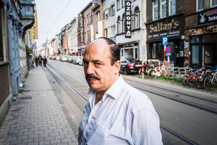 Seref van restaurant Sultan's is blij dat er eindelijk terrassen komen in de Sleepstraat.