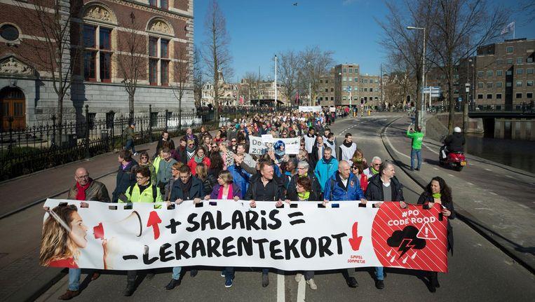 Een demonstratie eerder dit jaar tegen lage salarissen en te hoge werkdruk Beeld anp