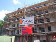 Bouw appartementencomplex naast Visserskerk Oss bereikt hoogste punt