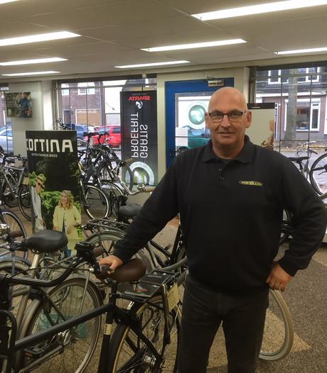 Tilburgse fietsenhandel zet internetreus de voet dwars